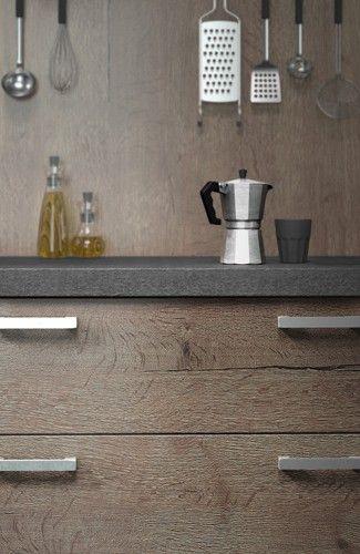 Clin d'oeil à un objet culte du design : la cafetière Bialetti édité chez Alessi, dans le modèle Harmonie Loft chez Arthur Bonnet.
