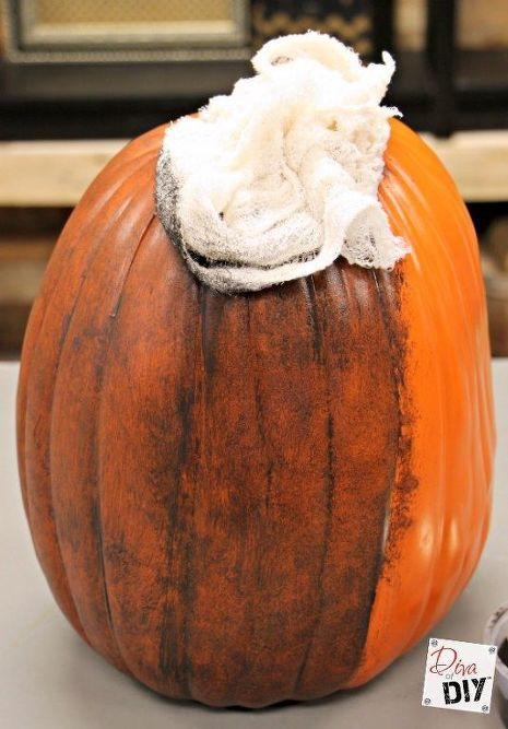 Make a Fake Pumpkin Look Realistic Primitive fall ideas
