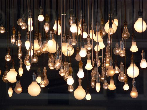 #lampe #ampoules #éclairage #lumière #luminosité #sourceslumineuses #habitation #bâtiment #incandescence #halogène #LED #iodure #blog #LFDB #lesfournituresdubatiment #matériel #équipement #fournitures