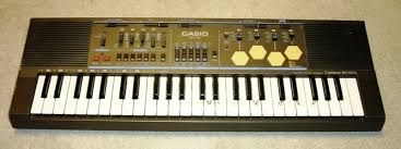 asta e masinaria - are pedale - pt ritm -   si se acordeaza -   https://myspace.com/iondragossireteanu/music/album/for-metta-jazz-formetta-jazz-rock-grup-20839282?sid=114671956