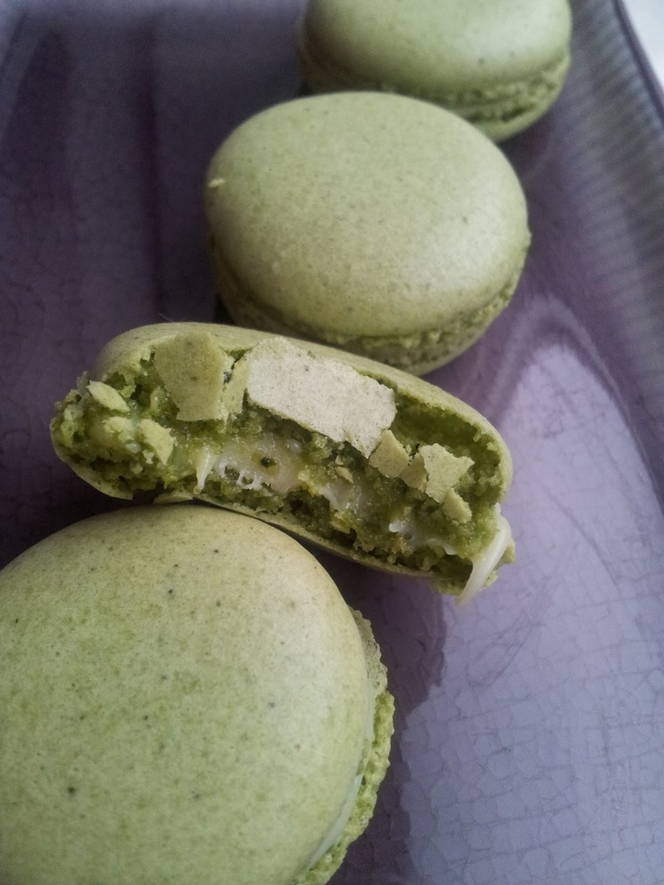Macha and White Chocolate French Macarons - the most successful macarons I've made