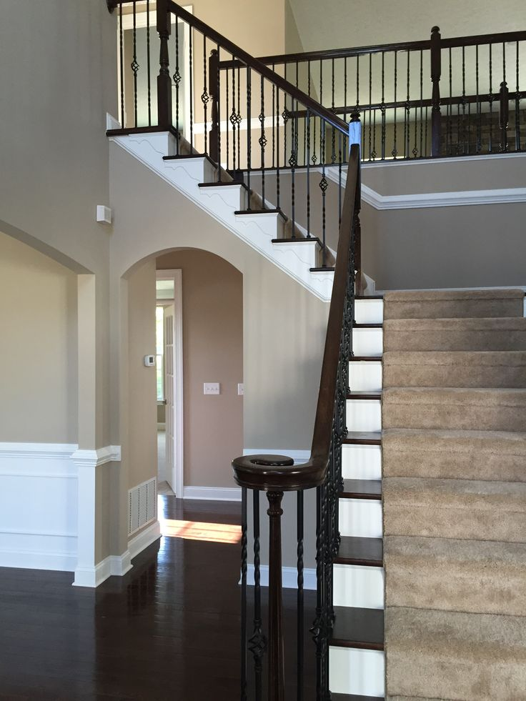 Ryan Homes - Avalon 15.  Foyer