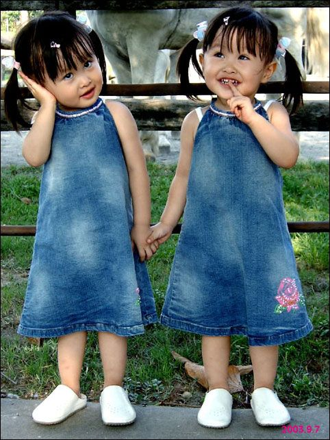 Twins: Adorable Twin, Twin Girls, Twin Baby, Double Troubled, Baby Wallpapers, Girls Dresses, Twin Children, Girls Clothing, Identity Twin
