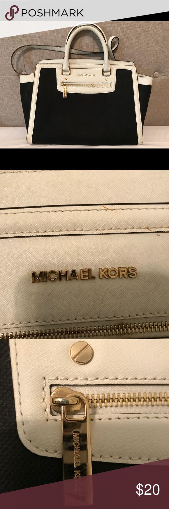 👜MICHAEL KORS BAG PRICED TO SELL👜 This old girl has been through a lot! One of my favorite MK bags I've ever owned, which is why she needs some TLC.  I'm sad to see her go, but I'm purging my closet! Make me an offer! Michael Kors Bags