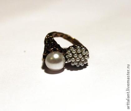"""Кольца ручной работы. Ярмарка Мастеров - ручная работа Кольцо """"Роскошь жемчуга"""" - кольцо в ретро - стиле, жемчуг. Handmade."""