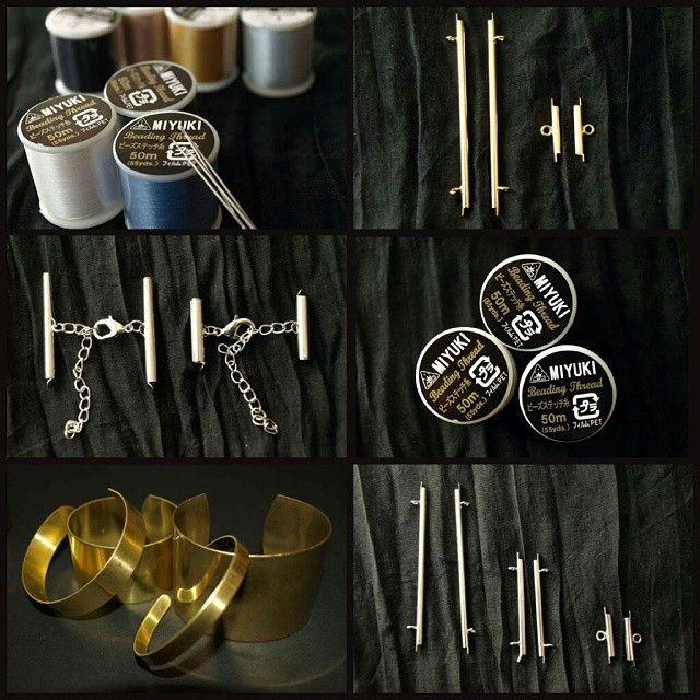 Et voilà tout ce qu'il vous faut pour vos tissages de perles #Miyuki et les mettre en valeur!! Fil en nylon de la marque Miyuki, manchettes en laiton, embouts spécial Miyuki avec ou sans fermoirs intégrés, et toujours plus de 150 références de couleurs de Delicas 11/0 en magasin!  #lecomptoiraperles #perles #perlesaddict #beads #beadsaddict #Miyukiaddict #DIY #tissage #loom #beadloom #faitmain #handmade #handmadejewelry #jewelry #jenfiledesperlesetjassume #nofilter