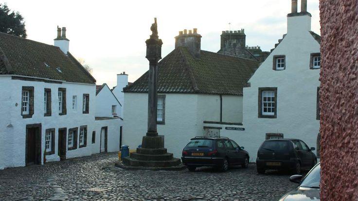 Scotlands Best B&Bs near Outlander Film Locations in Scotland. Mercat Cross is filmed in Culross
