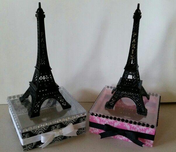 Eiffel tower center pieces