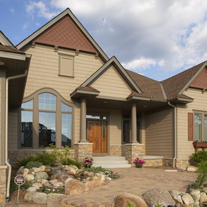 Steel Wood Fiber Cement And Vinyl All Offer Different Benefits When It Comes To Cladding A Home But Which Materi In 2020 Steel Siding House Exterior Exterior Design