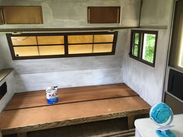 Priming The Walls In A Vintage Camper How To Paint An Old Camper