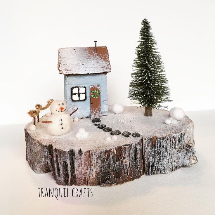 ❄️⛄️#tranquilcrafts #driftwood #driftwoodart #seacraft #snowman #christmas #christmascrafts #handmade #handmadecrafts #upcycle #upcycled #recycle #recycledart #shabbychic #happy #hippy #bunting #snow #art #tranquility #smallbusiness #wreath #christmas #baubles #snow