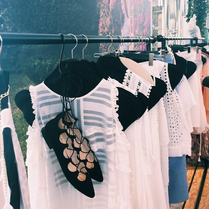 Bu sabah Koton'un İlkbahar/Yaz koleksiyonu için Esma Sultan Yalısı'nda buluştuk. Koleksiyon beyaz dantel elbiseler pastel tonlar ve siyah/beyaz ikilisinin hakimiyetinde. #lovekoton by vogueturkiye