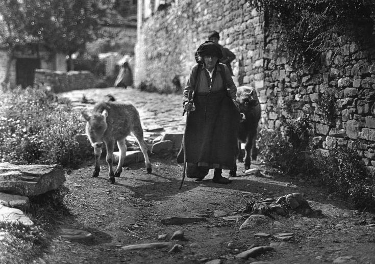 Μπάγια ( Κήποι) Ζαγορίου, γυναίκα, 1913