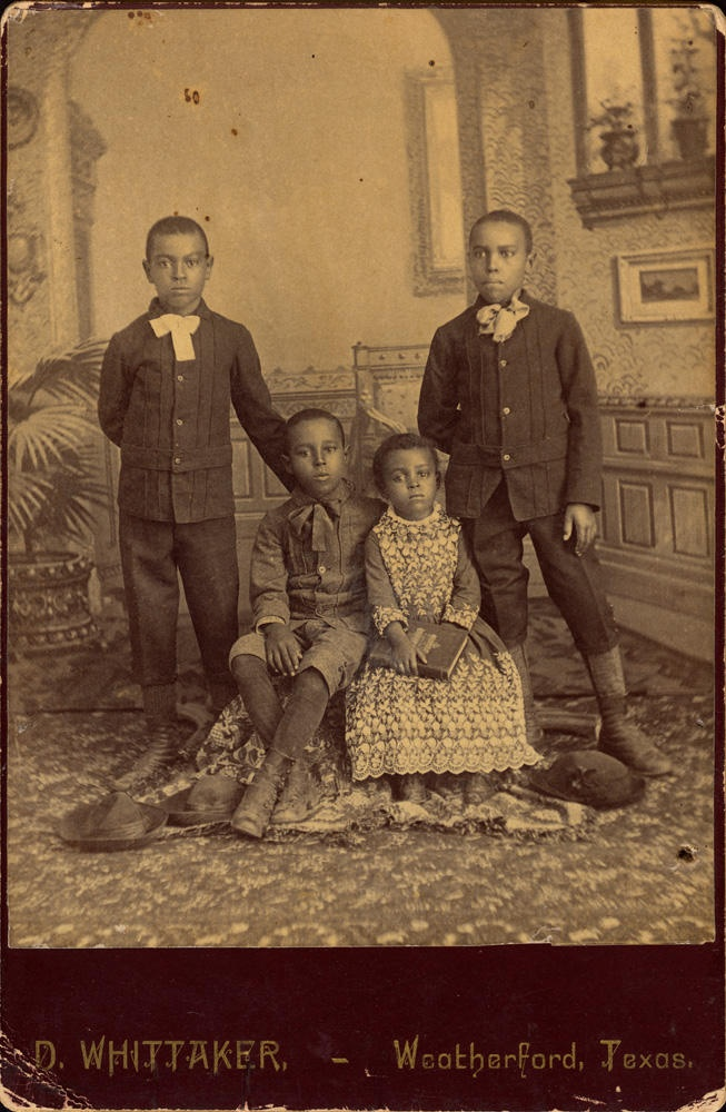 African American Vernacular Photography: Selections from the Daniel Cowin…