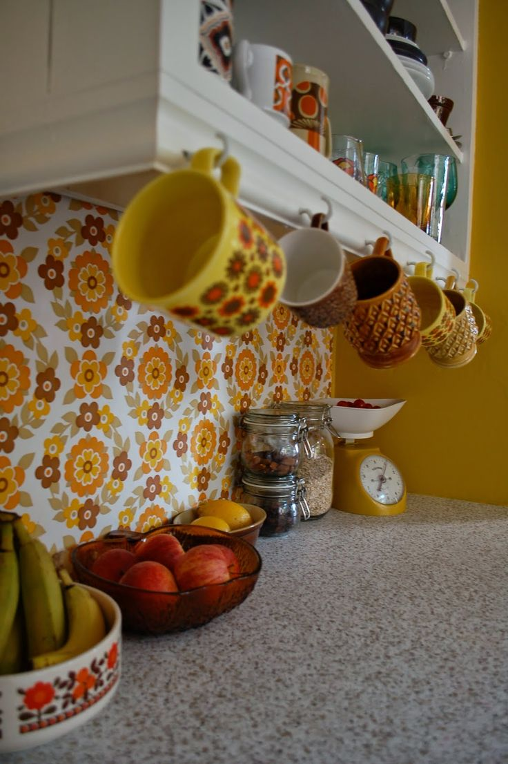 Best 25 1970s kitchen ideas on pinterest 1970s kitchen for Retro dekoration