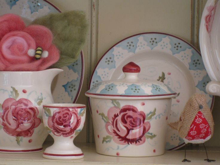 "Emma Bridgewater MM Rose 0.5 pint jug; egg cup; sugar pot & 6.5"" plate"