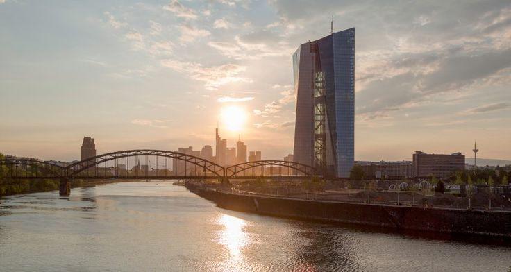 Romantisch - oder protzig? Die Europäische Zentralbank am Main.