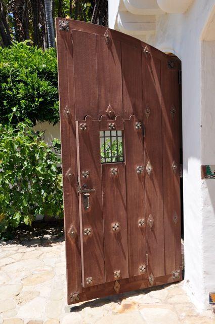 Casa De Herrero Montecito Door In A Gate Pinterest Garage