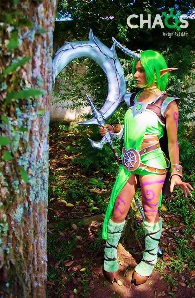 https://www.facebook.com/lol.cosplay.website/photos/a.349240708615657.1073741828.349229745283420/522567471282979/?type=3