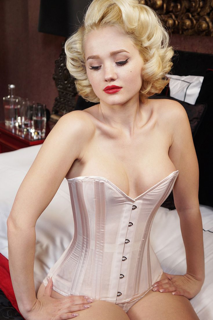 1568 best images about Corsets on Pinterest