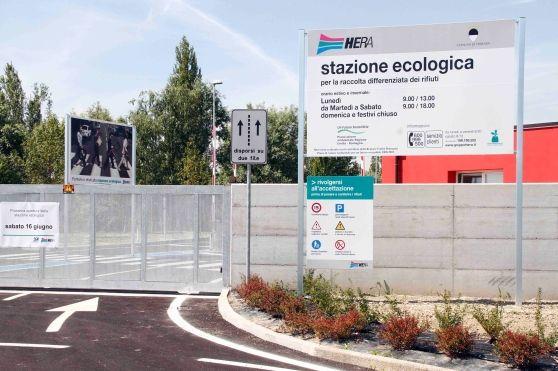 A disposizione coupon da 3 euro per chi porta alle stazioni ecologiche bottiglie di plastica oppure grosse quantità di altri materiali. Hera ha stanziato in totale 7.500 euro