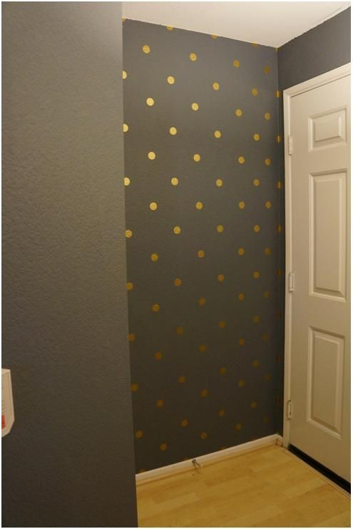 Love this color & the gold dots for the small wall in the entrance to my house!! Next time I have a full day off, this will be done!!