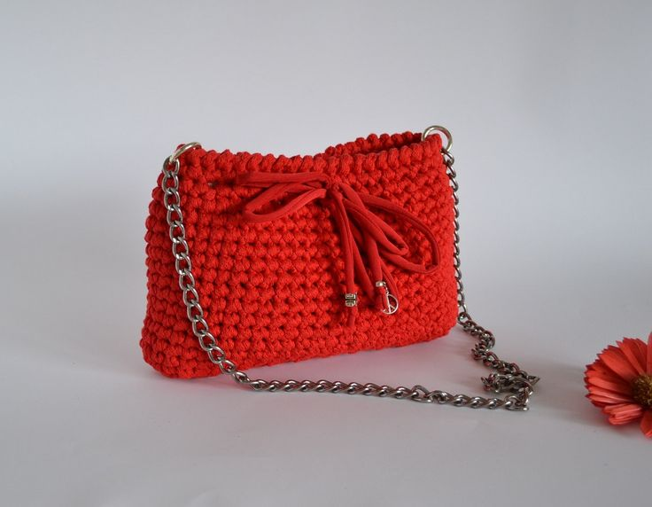 Un preferito personale dal mio negozio Etsy https://www.etsy.com/listing/294721929/red-handbag-bag-red-wedding-purse