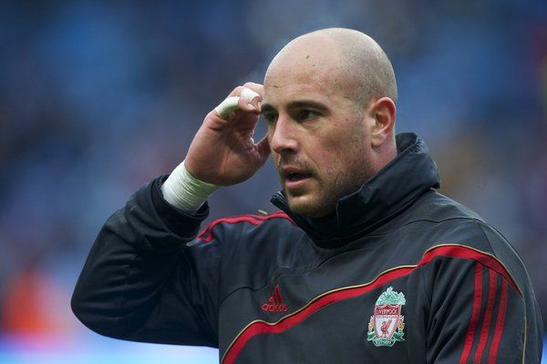 Liverpool fans react to Pepe Reina's imminent departure #LFC