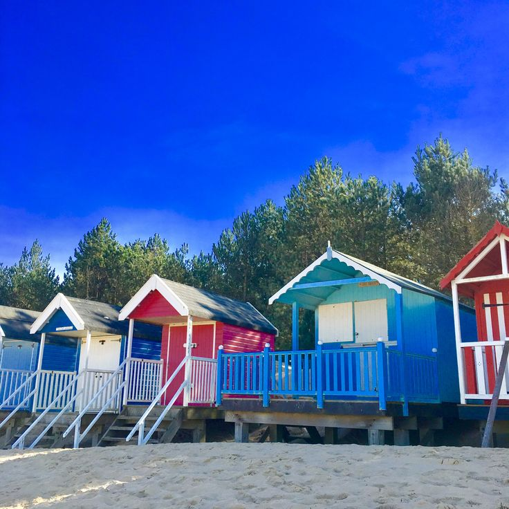 Wells beach huts + sunshine = holiday!!!  Book your holiday now, dog and family friendly cottages in North Norfolk - link in bio