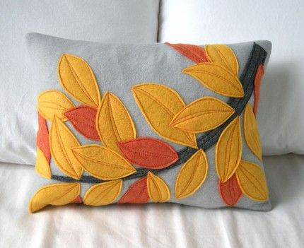pillow with felt leaves- I could do this...I think...
