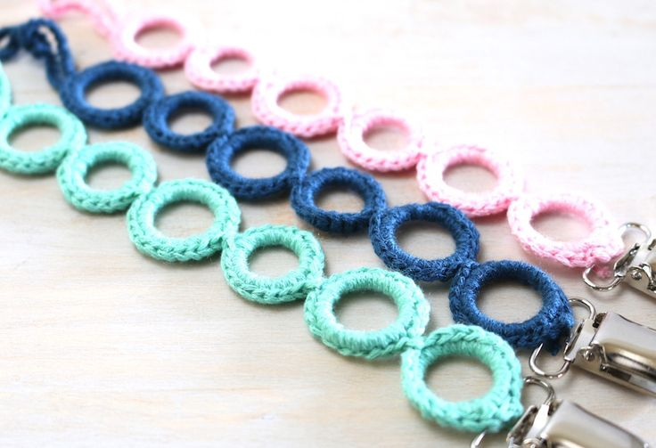 Crochet Pacifier Clips ~ Circles  Hipster Babys Line www.hipsterrow.com