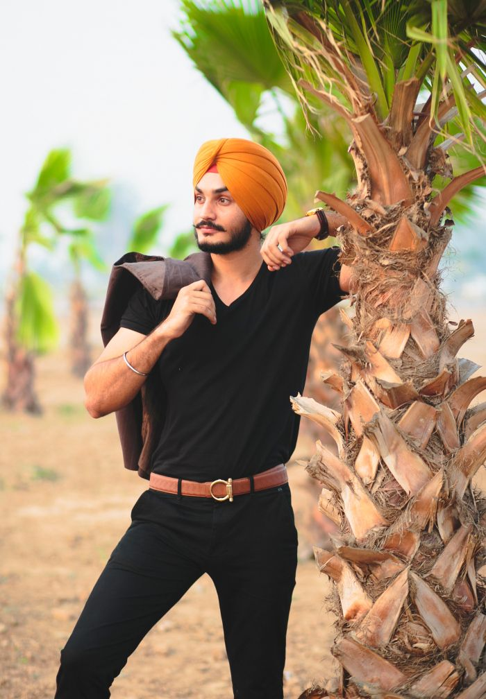 Hello lovely people! Been a while since our last post from this special collaboration with two eminent names from Chandigarh, Sahiba.J.Singh, 'the sikh stylist & fashion designer', And Simran O...
