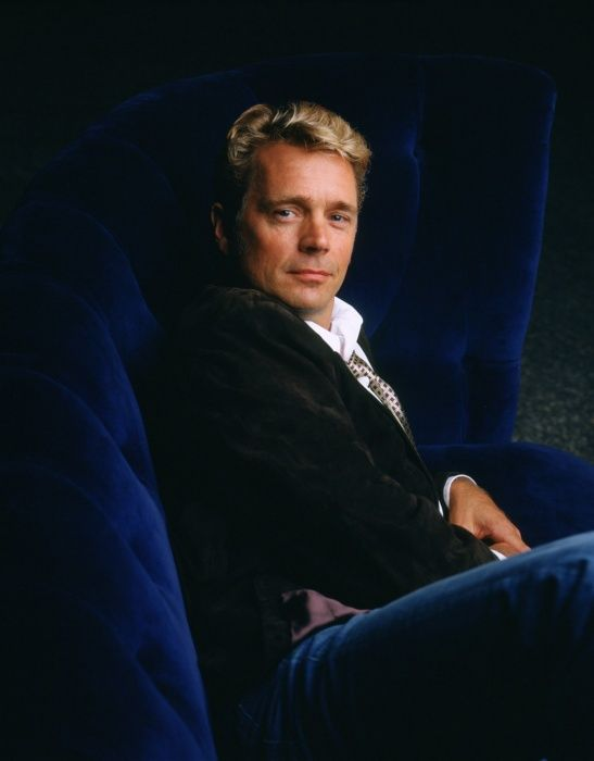 Smallville Season 4 - John Schneider as Jonathan Kent