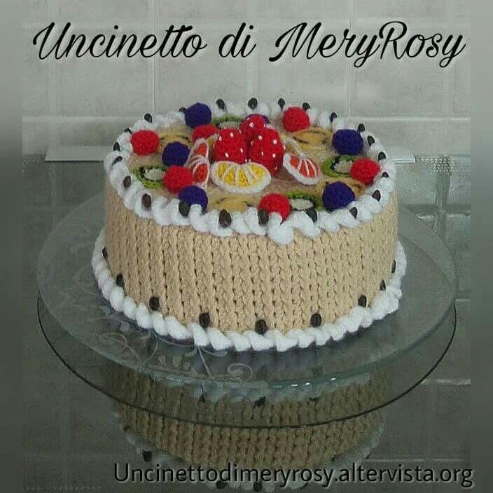 Coffee cake and hosiery fruit #torta #caffè #frutta #uncinetto #crocheted #crochet #handmade #fattoamano #diy #amigurumi #coffee #cake #fruit #hosiery #cakedesign #cakes