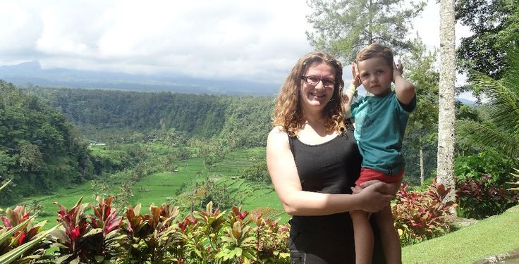 Reizen als alleenstaande ouder naar verre landen. Dat kan en is absoluut een aanrader. Lees hier het verhaal van Inge die naar Bali reisde mat haar zoon.