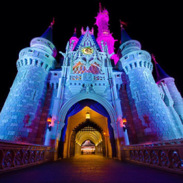 I wanna live there. Every girl deserves a princess moment, why not everyday. :)