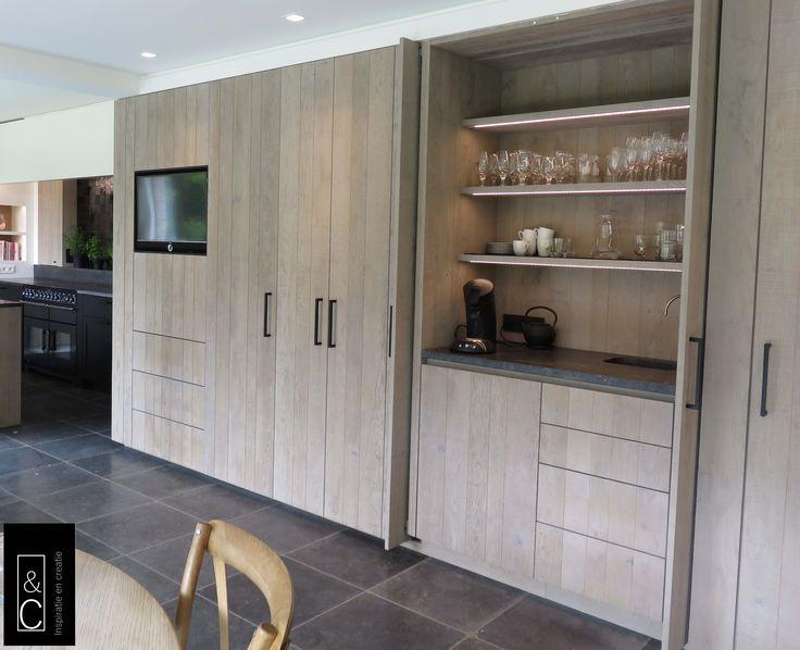 Ontbijtkast in kastenwand eikfineer landelijk keukens - Keuken back bar ...
