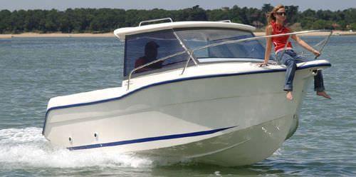 Barca da pesca e diporto fuoribordo / con cabina di pilotaggio TIMONIER 540 Ocqueteau