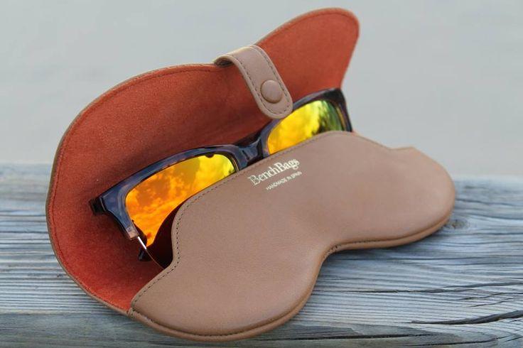 Leather eyeglass/sunglass case