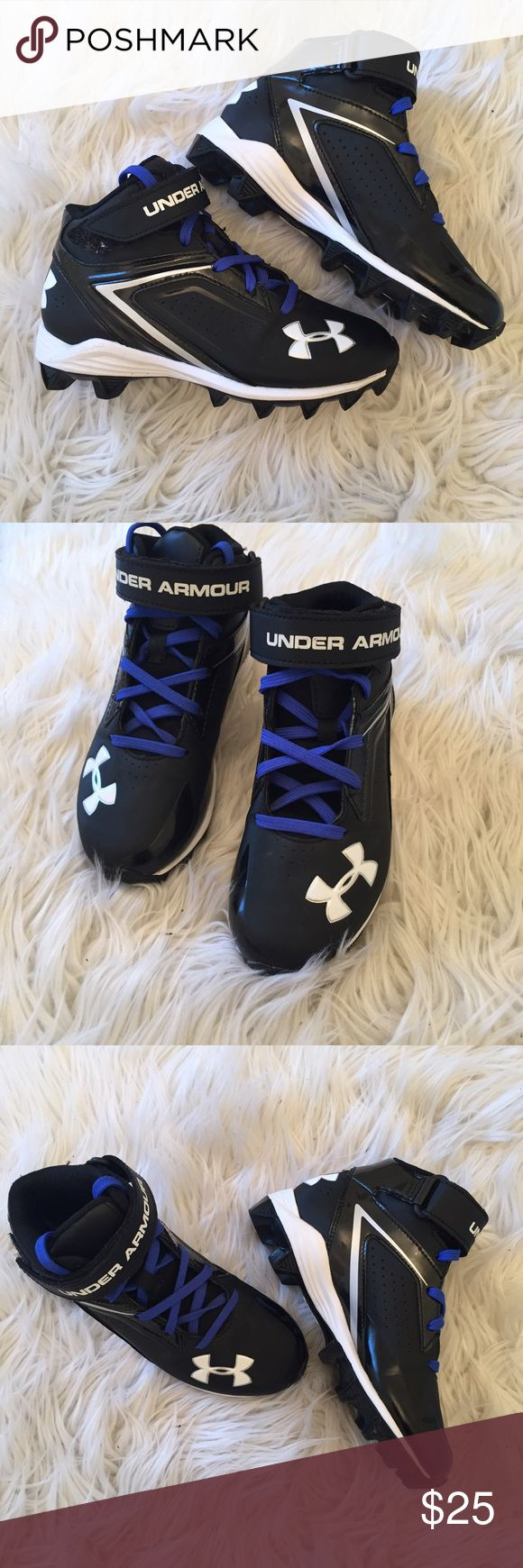 Boys Football Cleats Really great condition!  Other than there being a very tiny evidence of these being worn on the bottom of the shoe, you'd never know they weren't brand new.  Great deal for your little football player. Under Armour Shoes