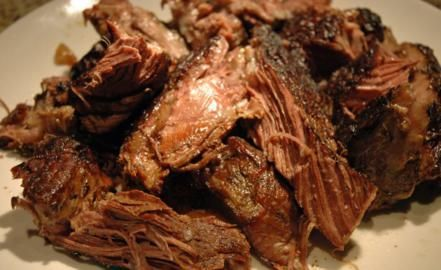 Wie draadjesvlees niet kent mist wat! Heerlijk langzaam gegaard rundvlees, je moet er een beetje tijd voor uittrekken maar het resultaat is mals suddervlees