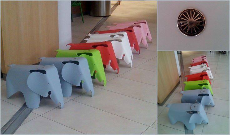 Galerie antovka olomouc design vitra eamesovi stoli ka for Reedition chaise eames