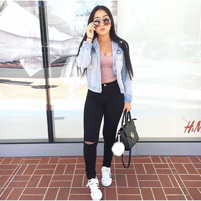 Black high waisted jeans, light-wash denim jacket, cute ...