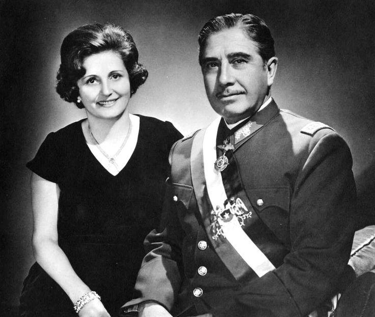 El General Pinochet y su Esposa Lucia