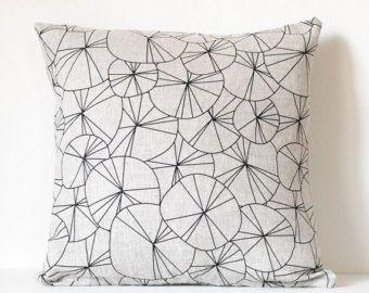 spokes pillow cover - black / natural