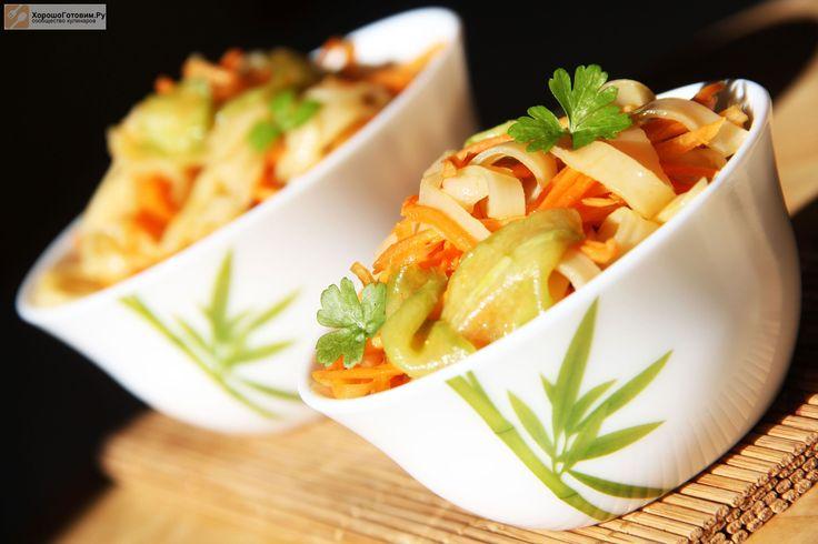 Салат с рисовой лапшой и овощами по-корейски  Автор: Вероника Крамарь