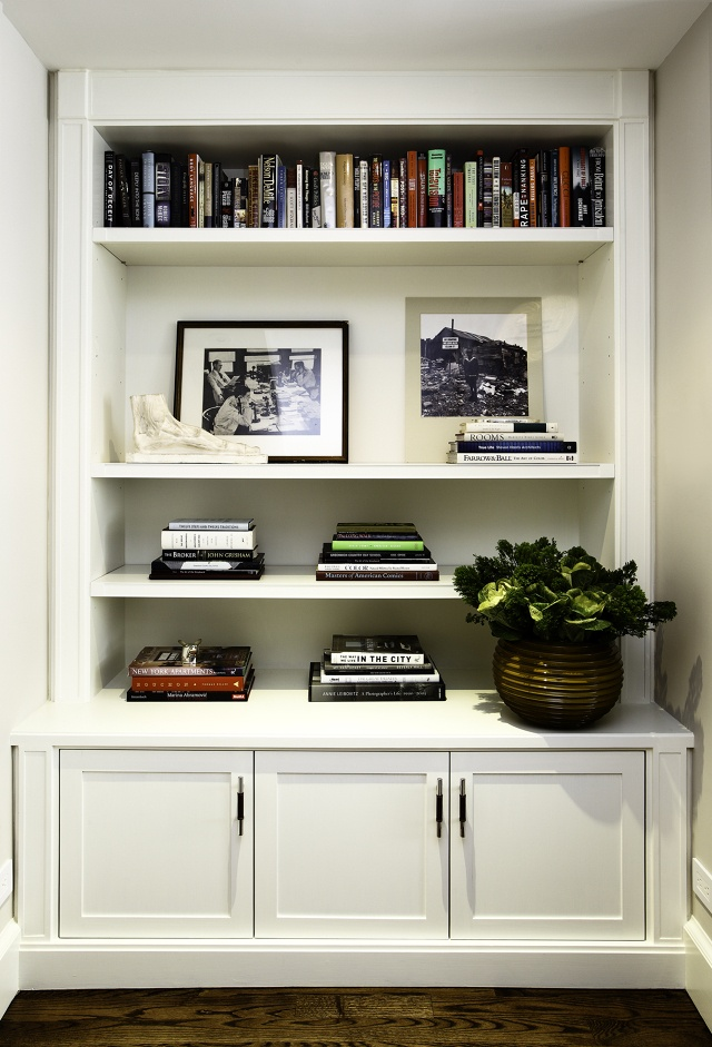 Bookshelf Arrangement Blair Harris Interior Design West Village Apartment