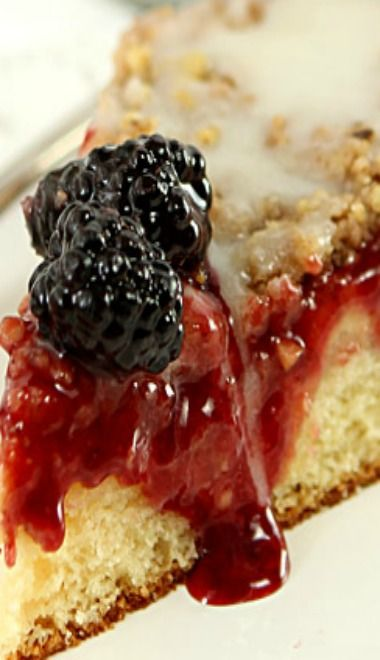 ... | Bundt cakes, Mixed berry pie and Strawberries cream cheeses