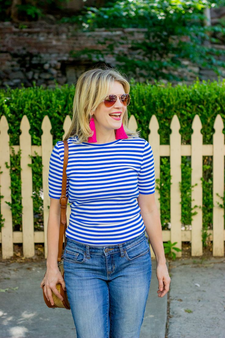 Talking about the best t-shirt for women around - the J.Crew Perfect-fit t-shirt! The sleeve length is perfect and covers your arms - on Belle Meets World!