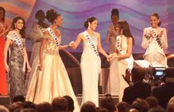 Excelente Trabajo el de Carolina Indriago, dentro del Top 6 de Finalistas del Certamen de Miss Universe 1999, Lamentablemente no pudo pasar al Top 3 ...